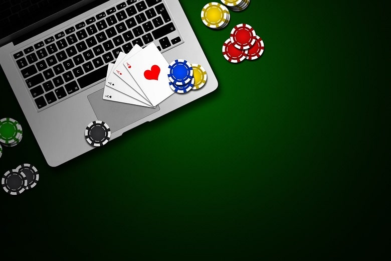 What Are The Reasons Why People Are Opting For Playing Poker Online?